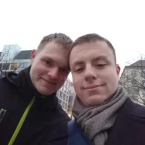GayPaarSuchtDritten